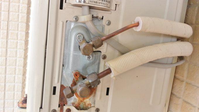エアコン配管を取り付けた後