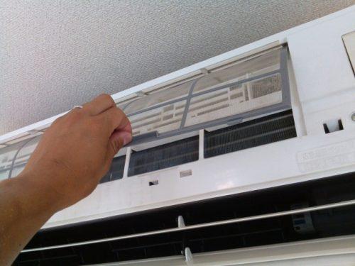 エアコンのエアフィルターの汚れ