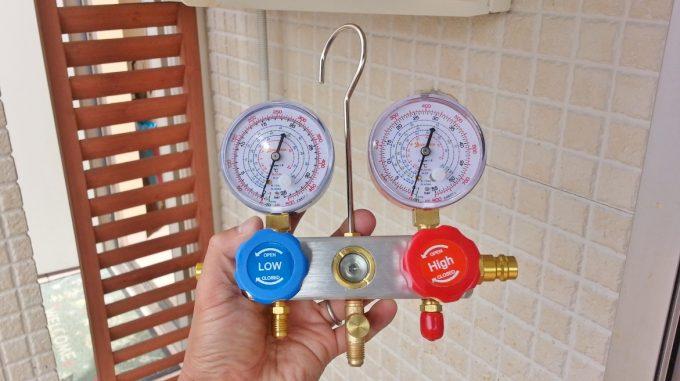 エアコンのガスチャージで使うゲージマニホールド
