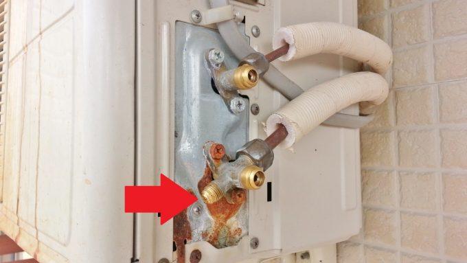 低圧圧力を測定する接続ポートは一つ