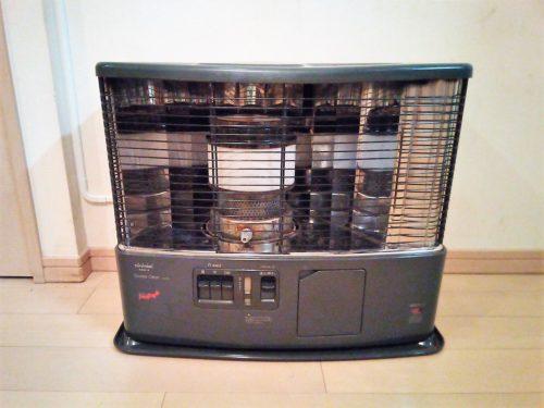 輻射熱を出す暖房器具の石油ストーブ